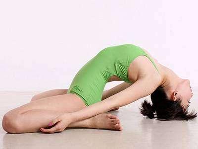 急速瘦肚子,靠这四个瑜伽动作就好啦