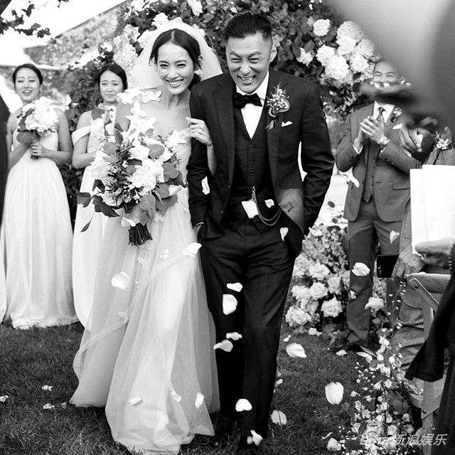 撒旦新娘-12月4日余文乐通过ins和微博发了一张和王棠云结婚现场的照片,并配图片