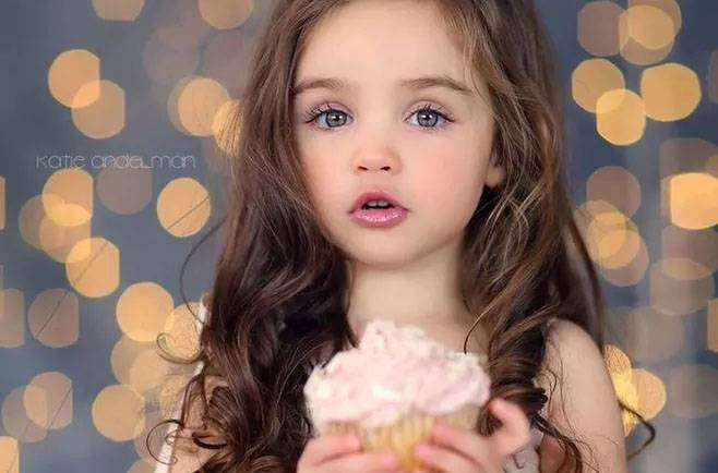 家长可自测孩子是否有斗鸡眼 如何纠正小孩斗鸡眼