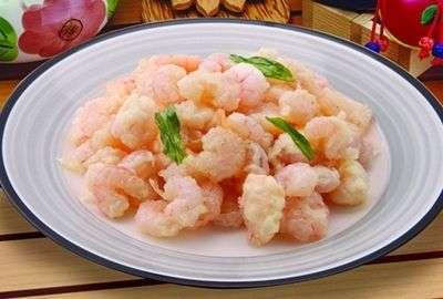 虾球的做法,食材搅拌均匀腌制至少十五分钟!