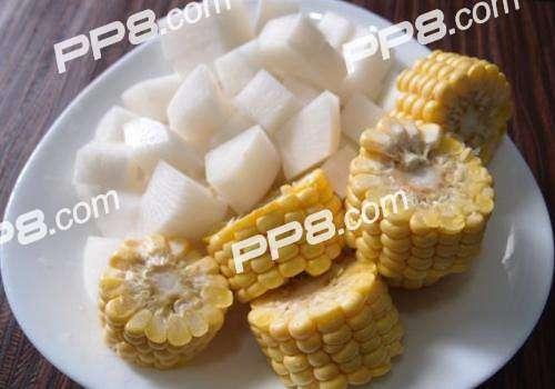 白萝卜和玉米可以一起煲汤吗?白萝卜和玉米煲汤的好处是什么?