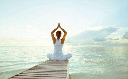 瘦身瑜伽 最简单的瑜伽动作