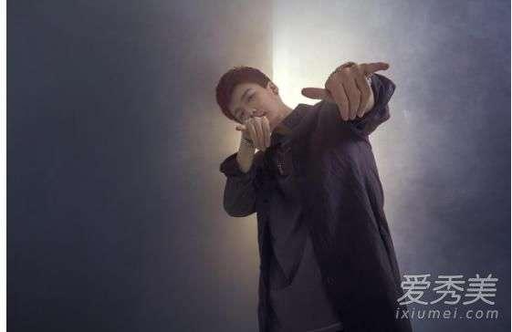 YY浅蓝:直播间里的嘻哈大男孩,说唱也要正能量