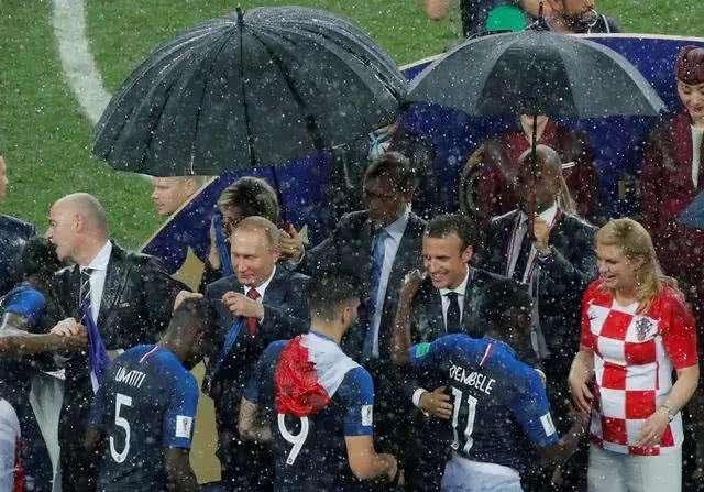 普京送特朗普足球是真的吗?美国什么时候举办世界杯?